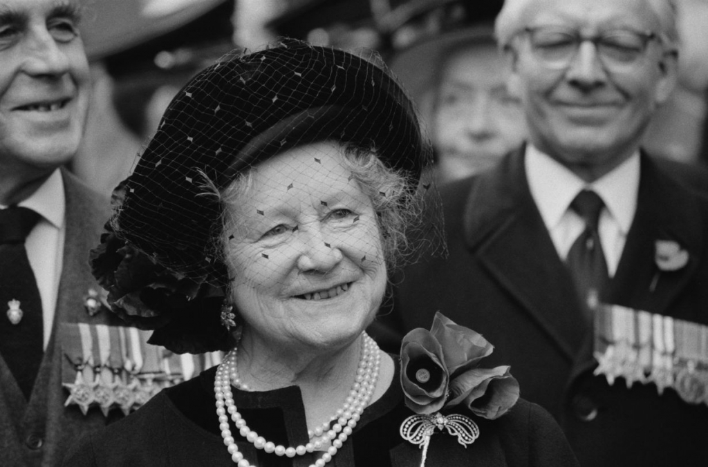Мать Королевы Елизавета Боуз-Лайон