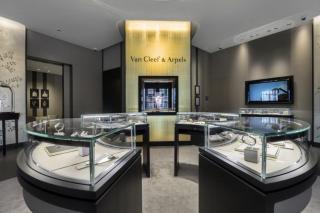 В Киеве открылся новый бутик Van Cleef & Arpels
