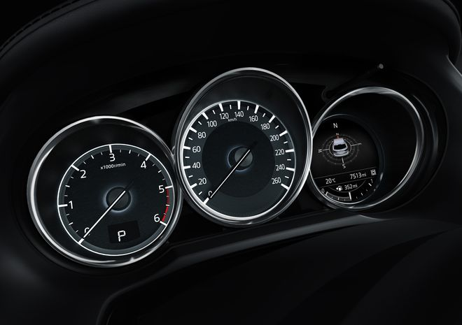 Автомобиль Mazda6-Фото 3