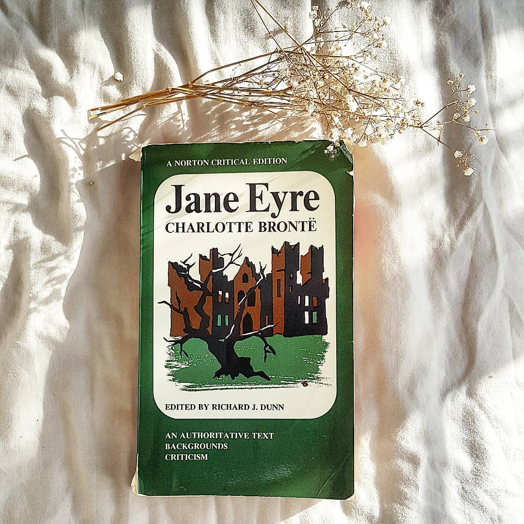Must-read: Шарлотта Бронте «Джейн Эйр»-320x180