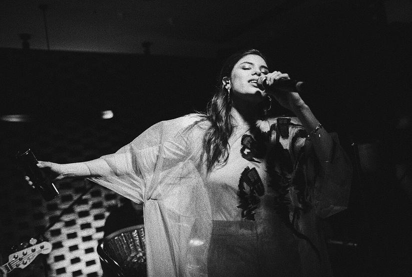 Michelle Andrade представила свой первый мини-альбом фото