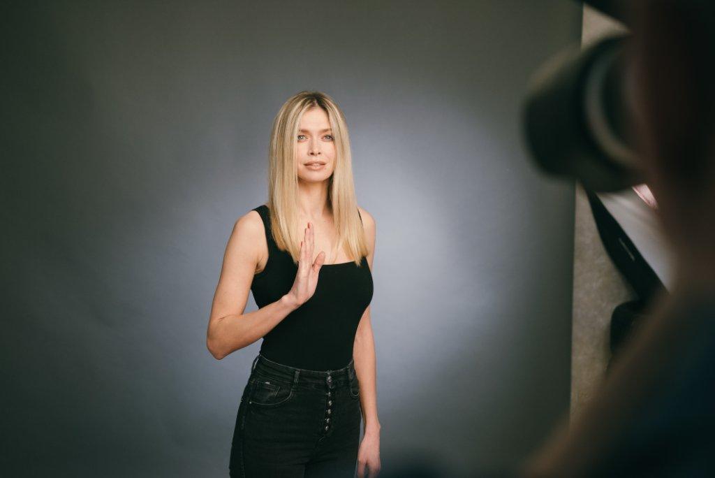 33 звезды приняли участие в съемке для популяризации жестового языка-Фото 2