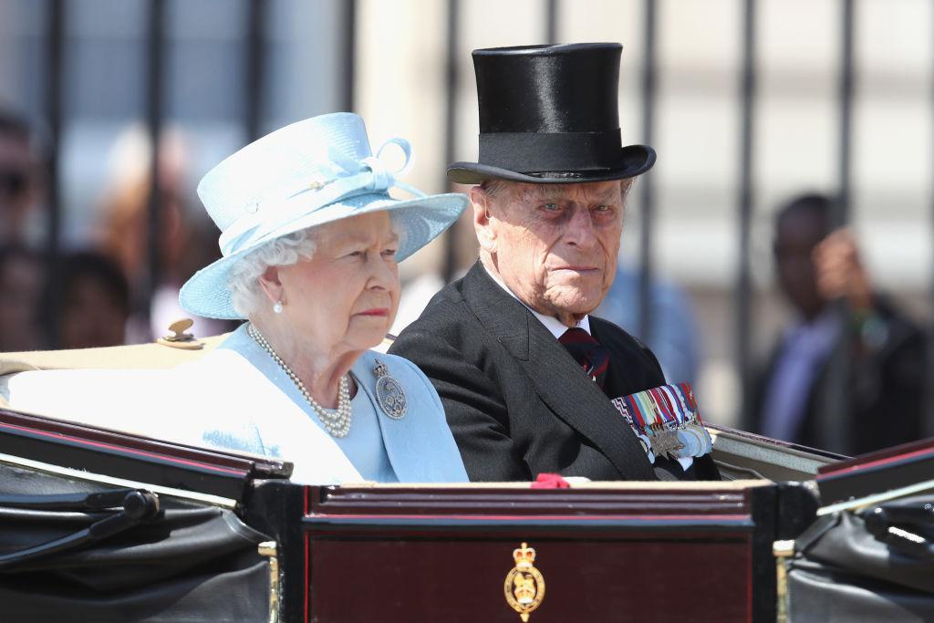 96-летнего супруга королевы Елизаветы II срочно госпитализировали-320x180