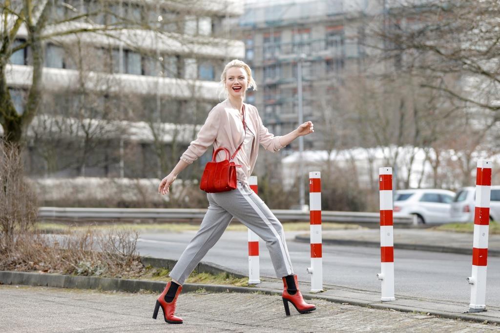 Как правильно сочетать обувь с сумкой-320x180