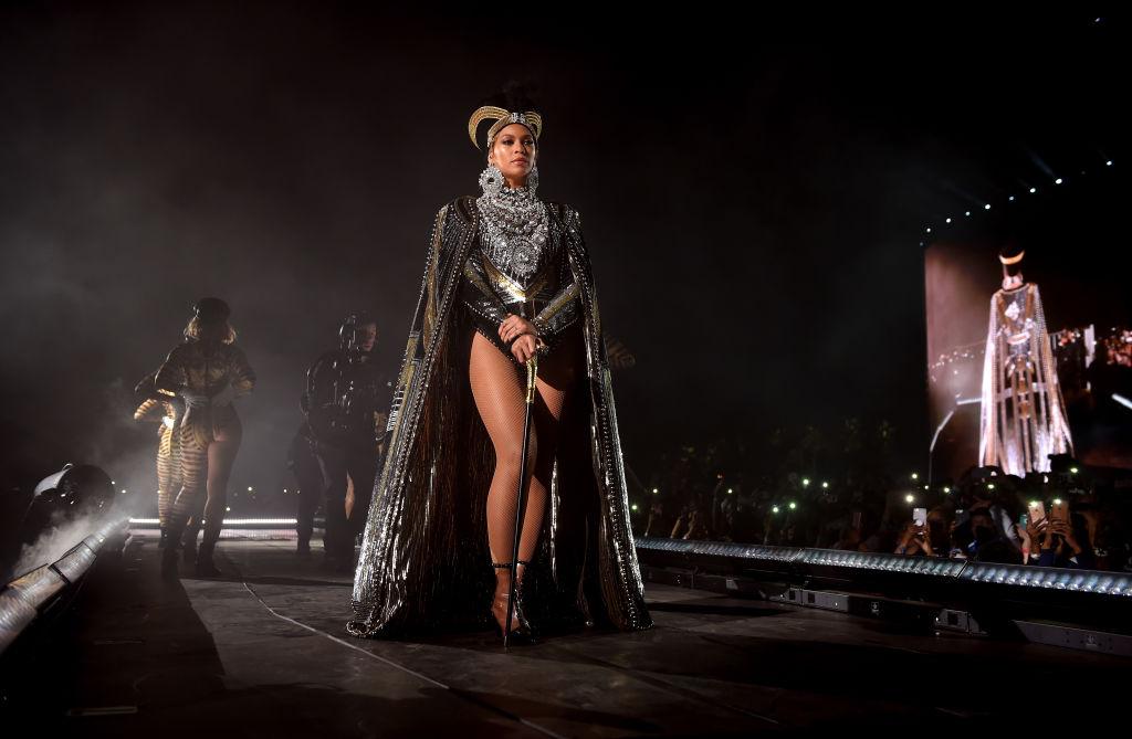 Яркое возвращение: Бейонсе выступила на Coachella с сестрой и Destiny's Child-Фото 1