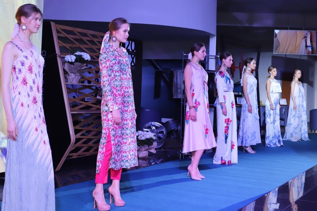 Women Power: В Киеве состоялся показ капсульной коллекции одежды Couture de Fleur-Фото 3