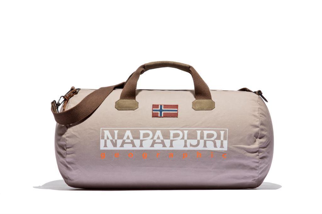 Возвращение легенды: сумка Bering от Napapijri-320x180
