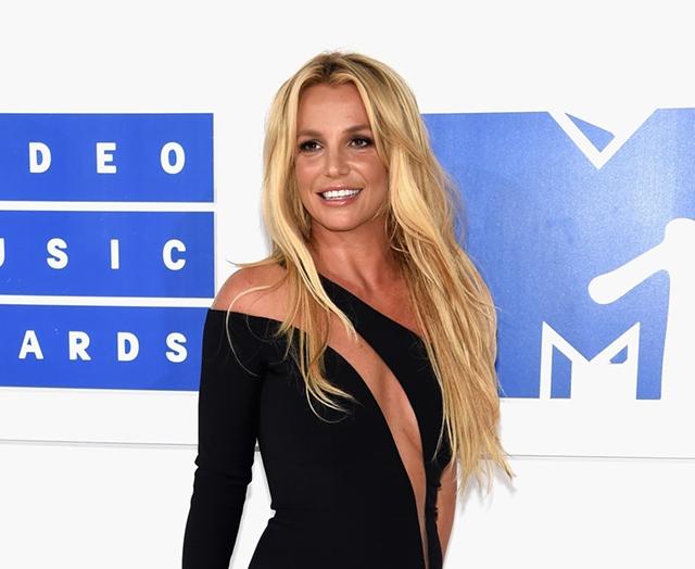 Аксессуары от Бритни Спирс: Певица запустит собственный бренд-320x180