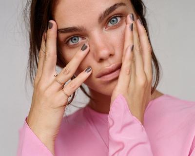 Сухая или обезвоженная: как понять, что происходит с вашей кожей?-430x480