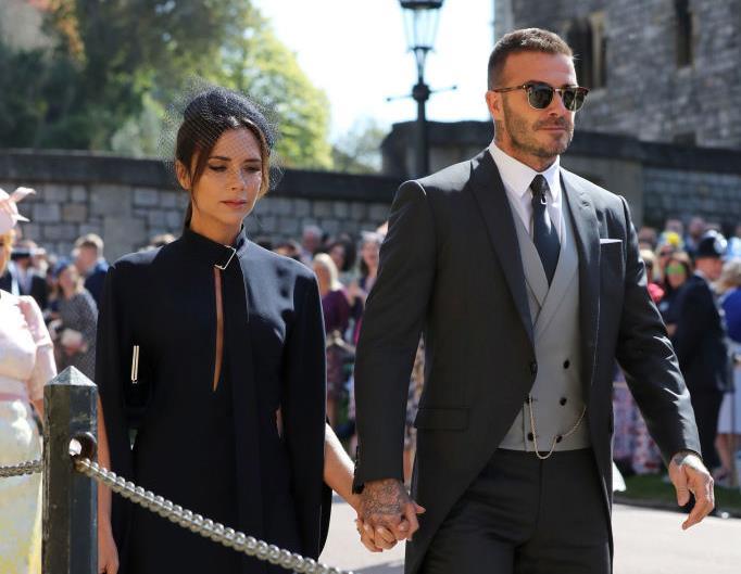 Дэвид Бекхэм нарушил правила на свадьбе Меган Маркл и принца Гарри-320x180