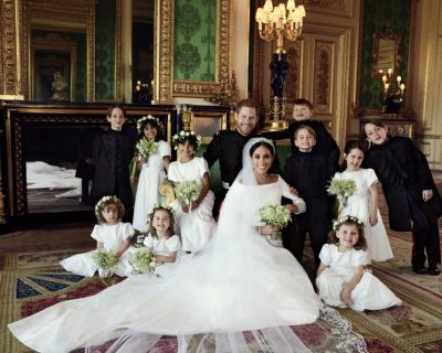 Опубликованы официальные фотографии со свадьбы принца Гарри и Меган Маркл-430x480