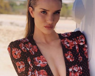 Рози Хантингтон-Уайтли запускает собственный beauty-бренд-430x480