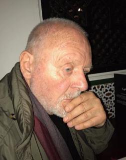80-летнего Энтони Хопкинса приняли за бездомного