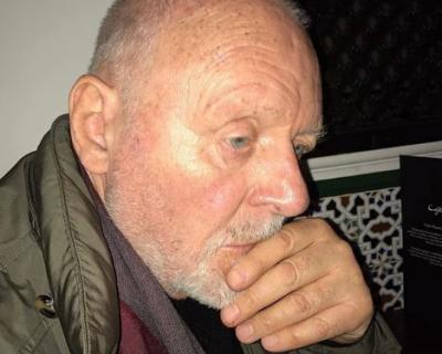 80-летнего Энтони Хопкинса приняли за бездомного-430x480
