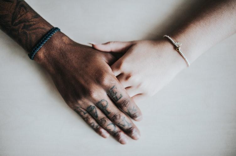 Курс на счастье: Причины конфликтов в паре и как с ними бороться-320x180