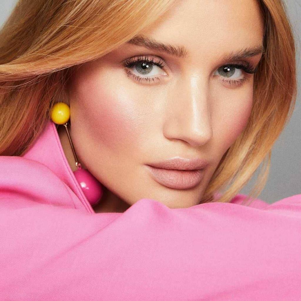 Рози Хантингтон-Уайтли запускает собственный beauty-бренд-Фото 1