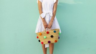 7 трендовых платьев, которые стоит купить этим летом-320x180