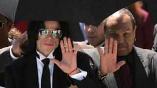 Умер 89-летний отец Майкла Джексона-320x180