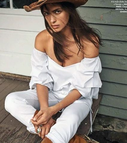В образе ковбойки: Ирина Шейк украсила обложку модного глянца-430x480