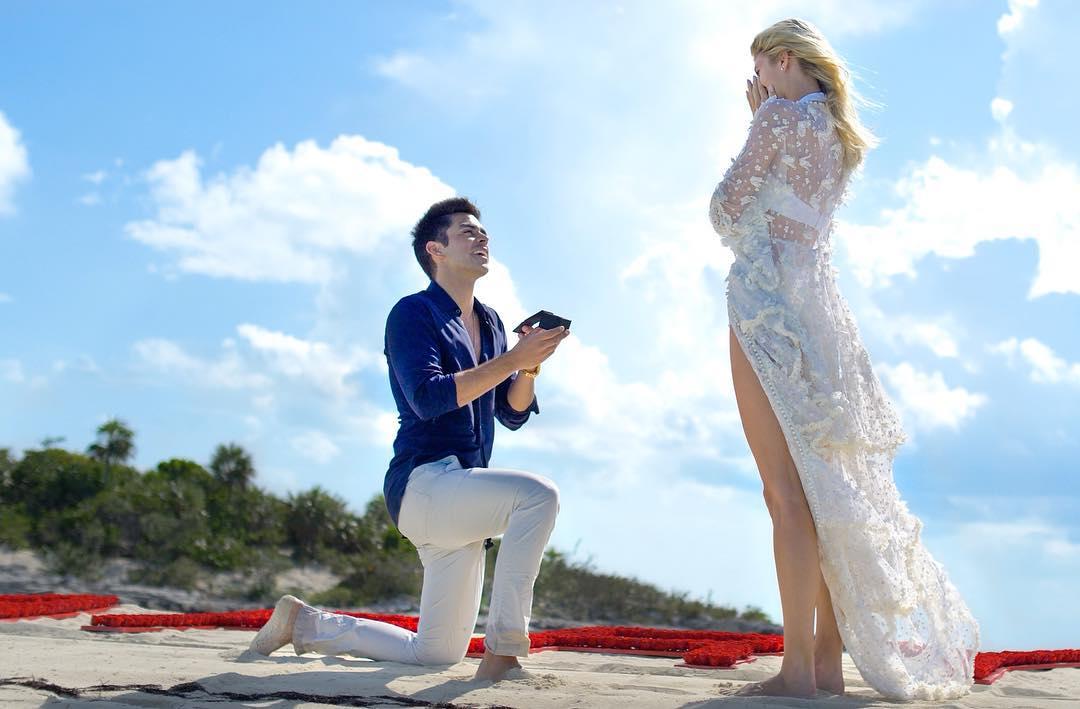 Модели Victoria's Secret Девон Винздор сделали предложение, и вы должны это увидеть!-Фото 3