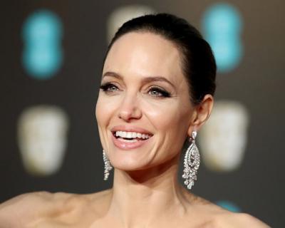 Интересные факты об Анджелине Джоли и ее лучшие цитаты-430x480