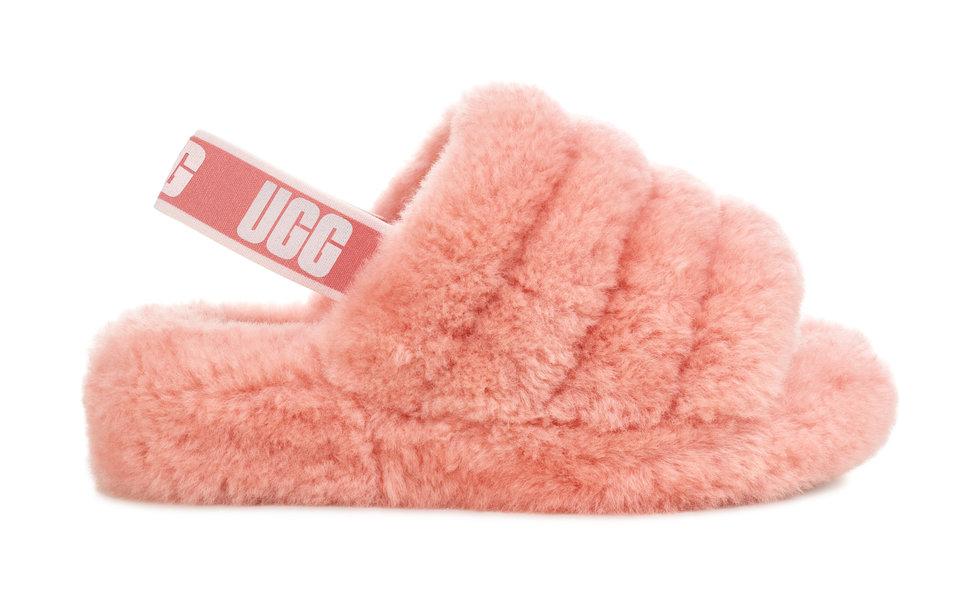 UGG выпустили пушистые сандалии-Фото 3