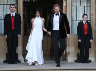 Стелла Маккартни выпустила коллекцию «копий» свадебного платья Меган Маркл