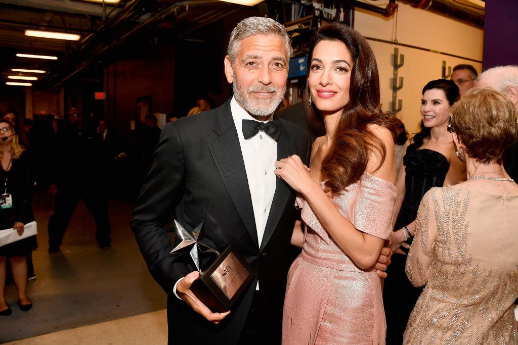 Звездный поцелуй: Джордж и Амаль Клуни не скрывали своих чувств-Фото 1