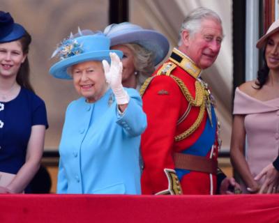 Кира Найтли и Том Харди получат почетные награды от Елизаветы II-430x480