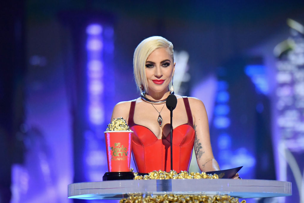 Леди Гага и Ким Кардашьян: Кто еще получил премии MTV Movie & TV Awards-320x180