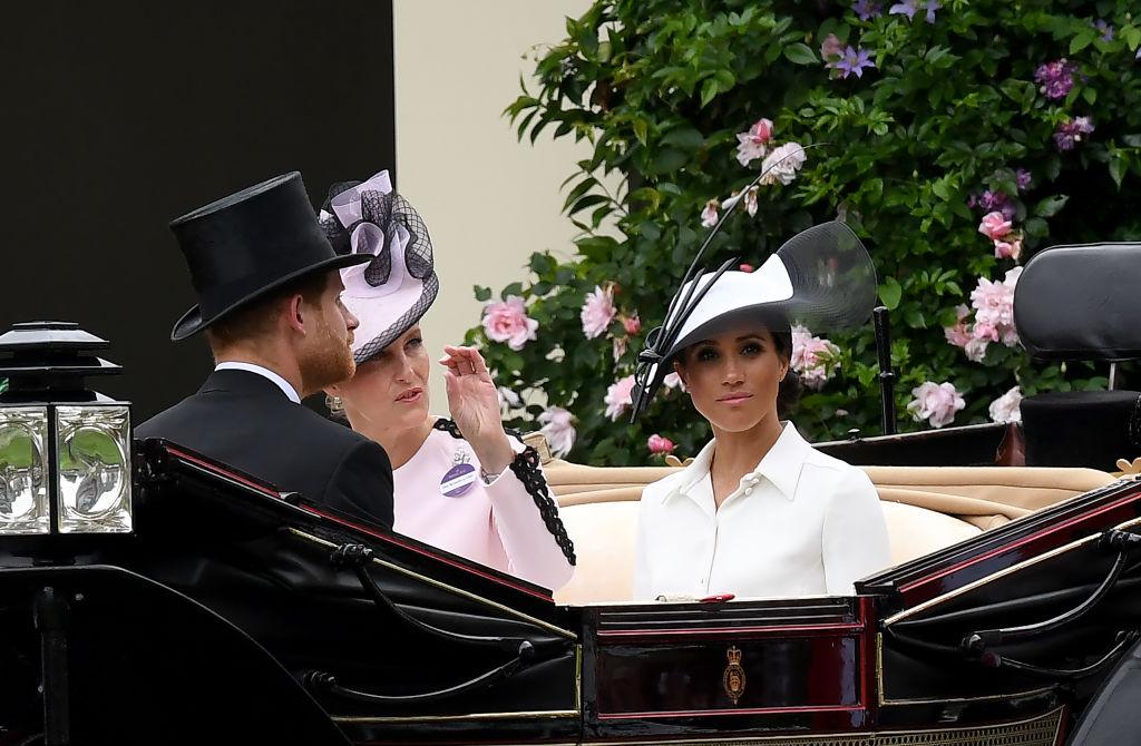 Меган Маркл и принц Гарри посетили скачки Royal Ascot-Фото 2