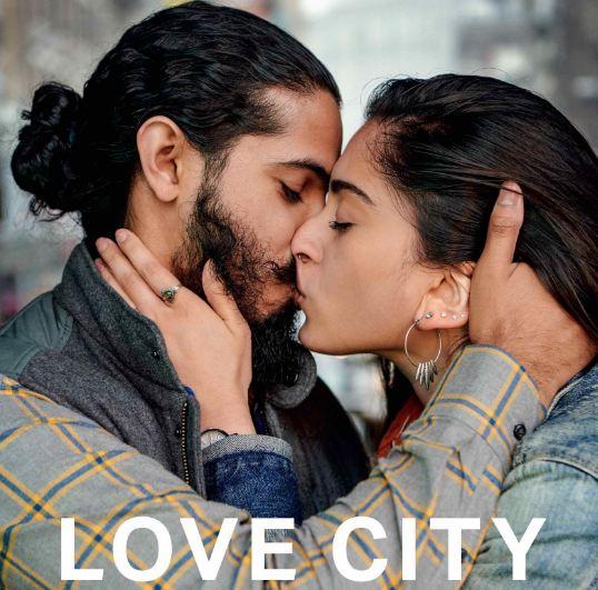 24 поцелуя за 24 часа: Невероятный фотопроект в Нью-Йорке-320x180