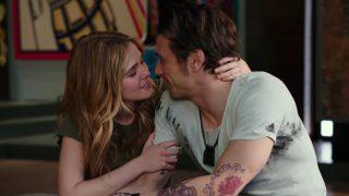 Актриса Зои Дойч заявила, что Джеймс Франко плохо целуется-320x180