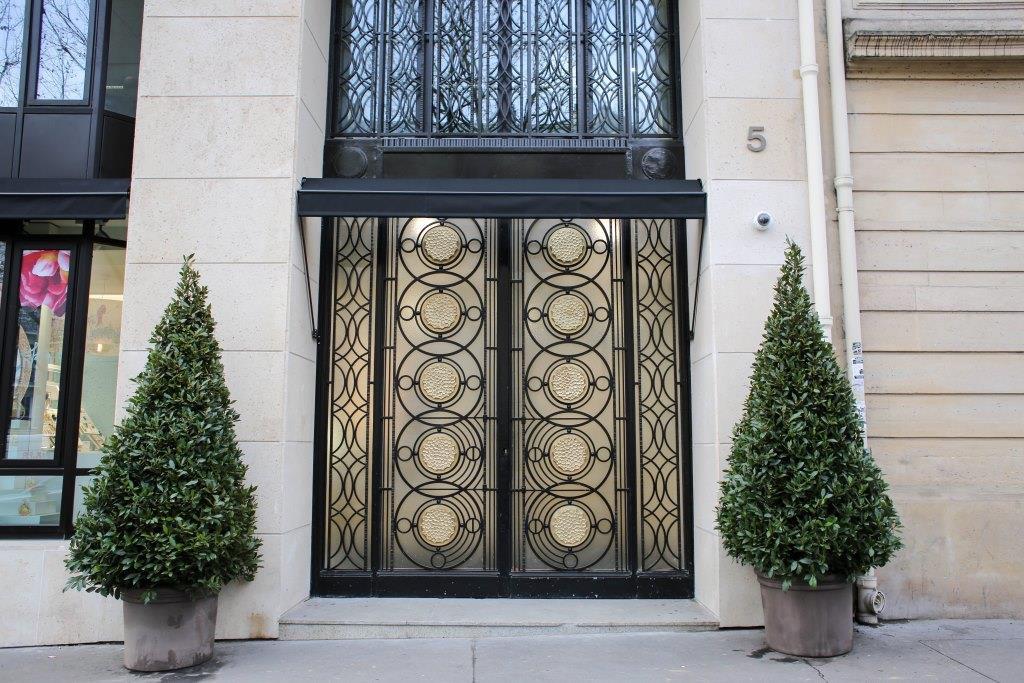 Константин Путиленко побывал в парижском Доме красоты Maison Sisley-Фото 1