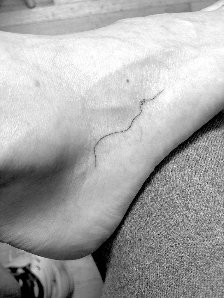 Мини-татуировки звезд, которые вы захотите себе-Фото 1