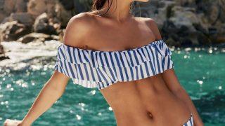 5 моделей купальников для девушек с маленькой грудью-320x180