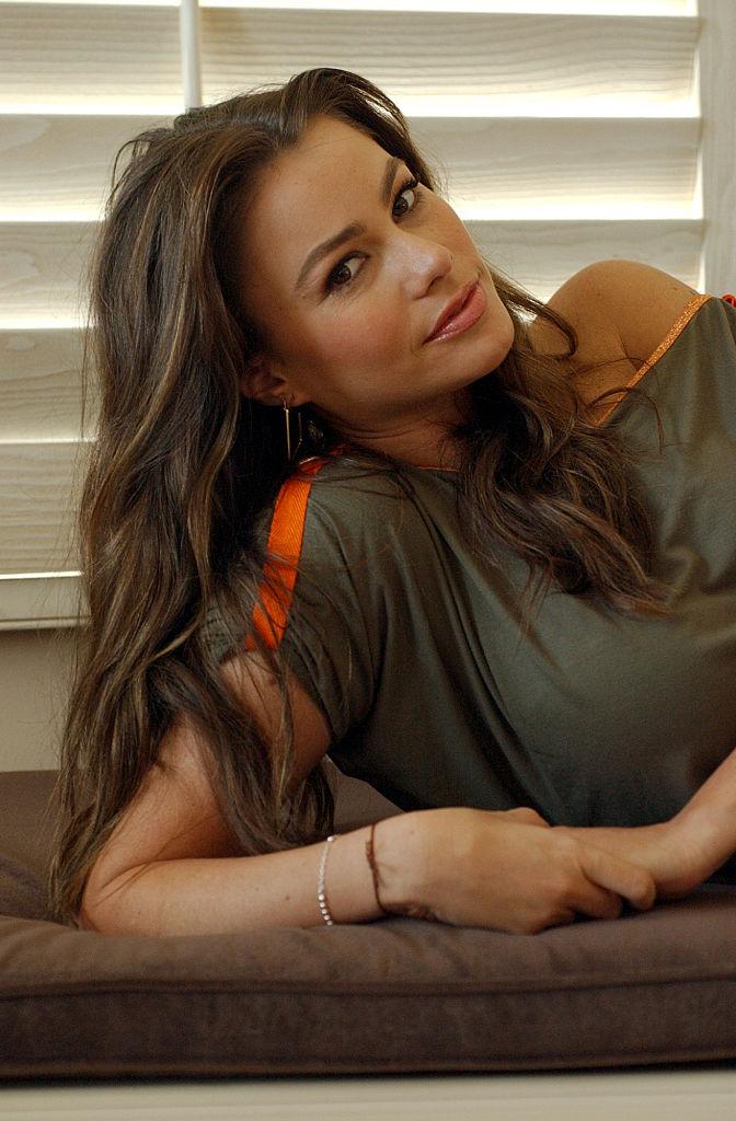С чего начинали карьеру голливудские звезды: Натали Портман, Шарлиз Терон и Дженнифер Энистон-Фото 7