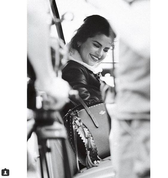 Селена Гомес снялась в рекламной кампании сумок Coach-Фото 2