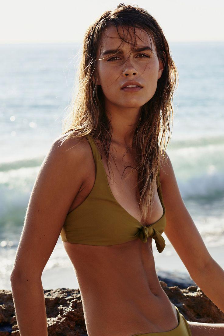 5 моделей купальников для девушек с маленькой грудью-Фото 7