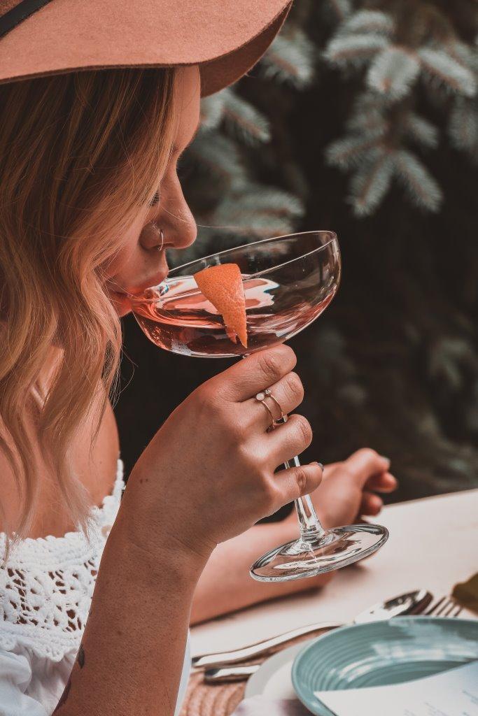 Как алкоголь влияет на женскую красоту-Фото 4