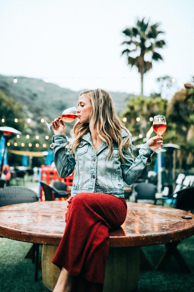 Как алкоголь влияет на женскую красоту-Фото 2