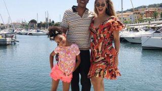 Испанские каникулы: Бейонсе и Джей Зи проводят отпуск с дочкой-320x180