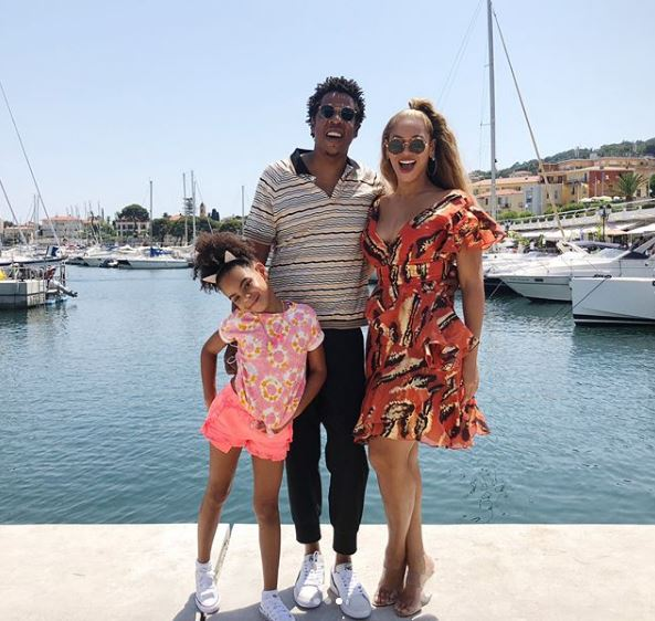 Испанские каникулы: Бейонсе и Джей Зи проводят отпуск с дочкой-Фото 1