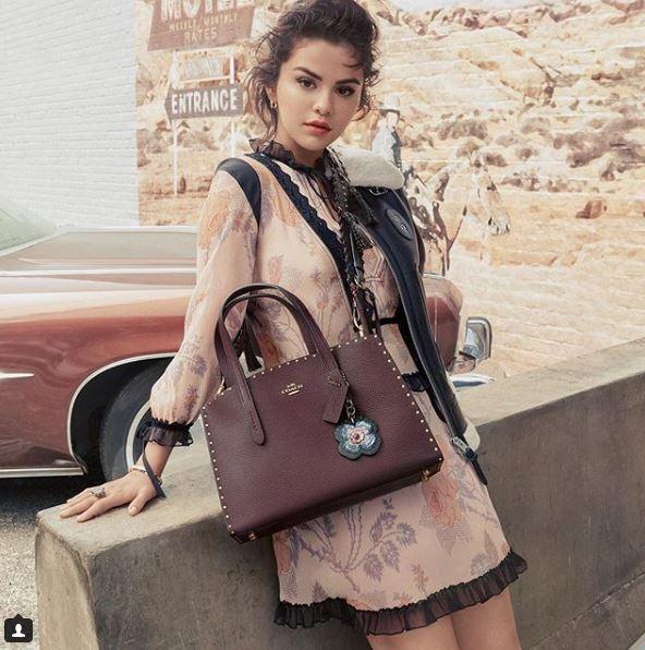 Селена Гомес снялась в рекламной кампании сумок Coach-Фото 4