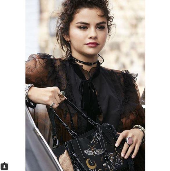 Селена Гомес снялась в рекламной кампании сумок Coach-Фото 3
