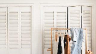 5 вещей в гардеробе, от которых вам стоит избавиться-320x180