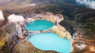 Самые красивые цветные водоемы в мире-320x180