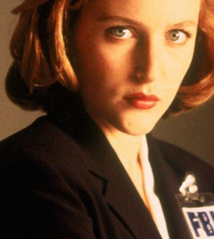 Джиллиан Андерсон исполнилось 50 лет: Лучшие роли «агента Скалли»-430x480