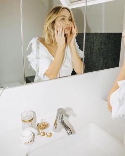 Все, что нужно знать об уходе за кожей после 40: какой должна быть косметика?