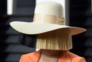 Sia отметила 8 лет трезвости
